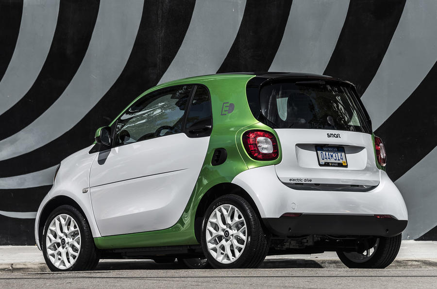 2017 smart fortwo electric drive review review autocar. Black Bedroom Furniture Sets. Home Design Ideas