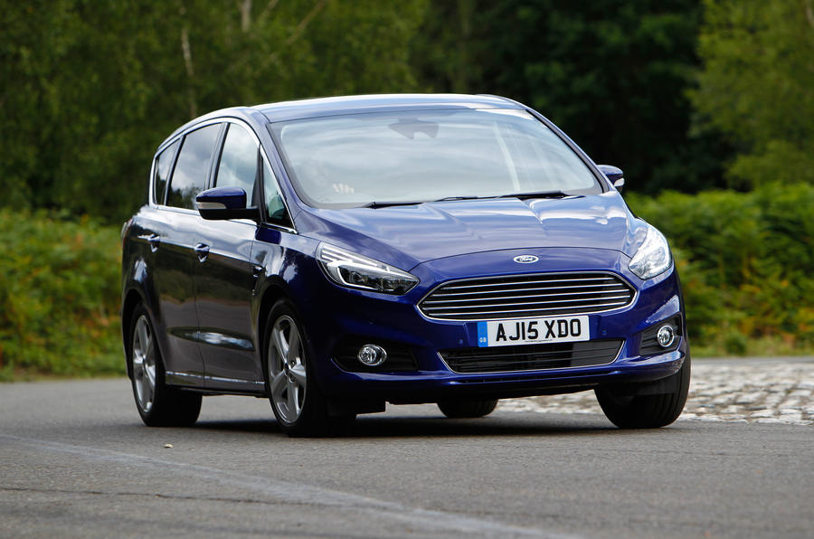 Ford S-Max hard cornering