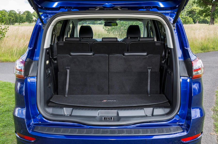 Ford S-Max boot space