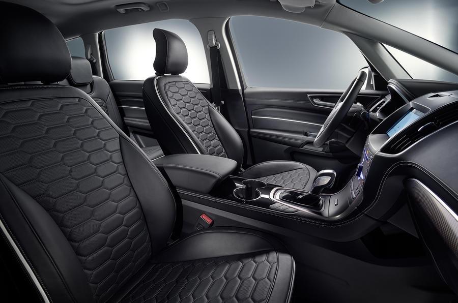 Ford S-Max Vignale interior