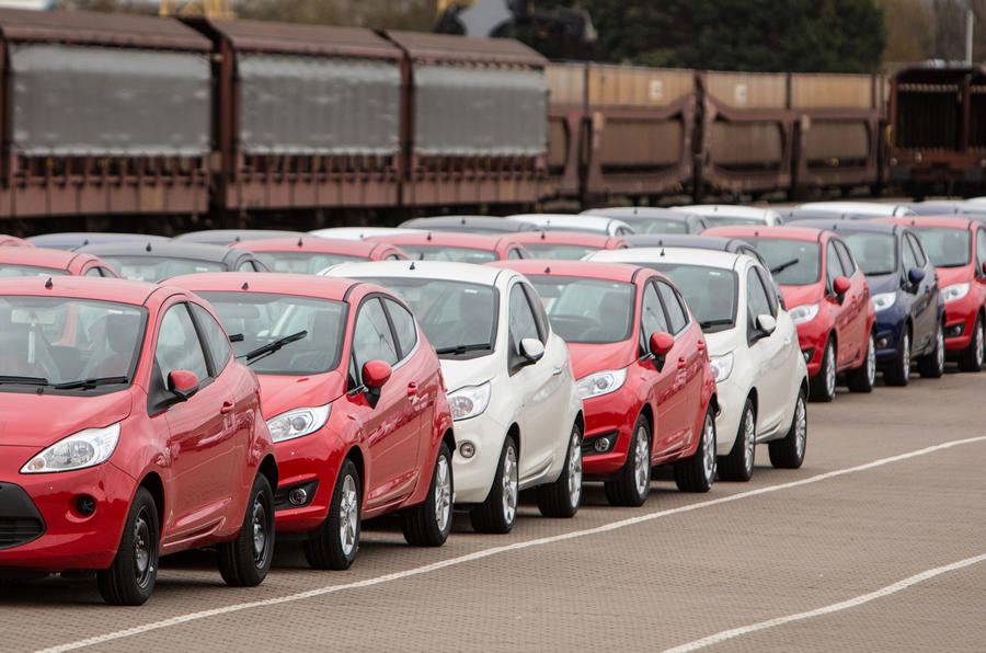 SMMT industry figures slow growth UK car market