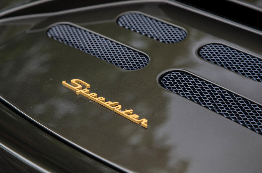 Noble M600 Speedster badging