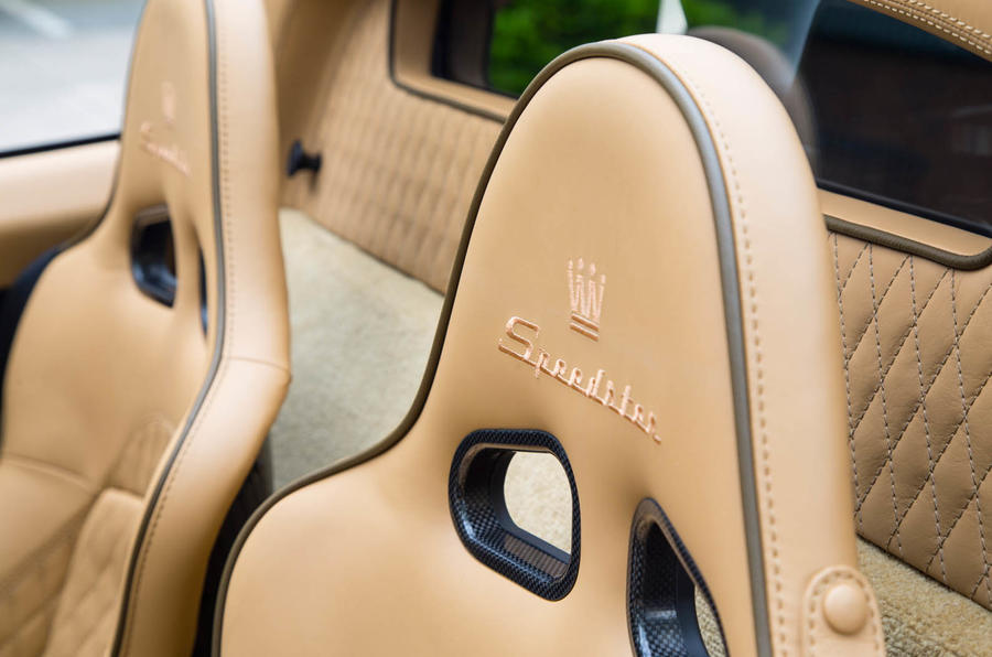 Noble M600 Speedster leather interior