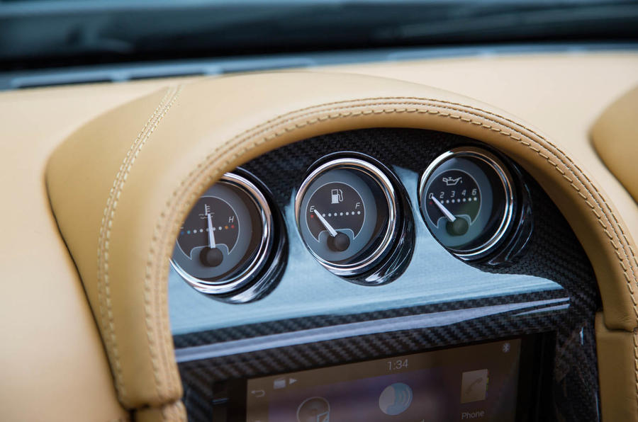 Noble M600 Speedster centre console