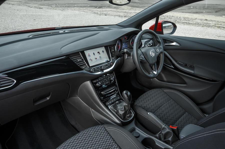 Vauxhall Astra Sports Tourer dashboard