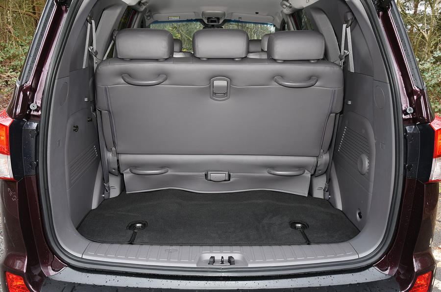 Ssangyong Turismo boot space