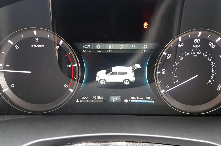 SSangyong Rexton longterm review graphic display