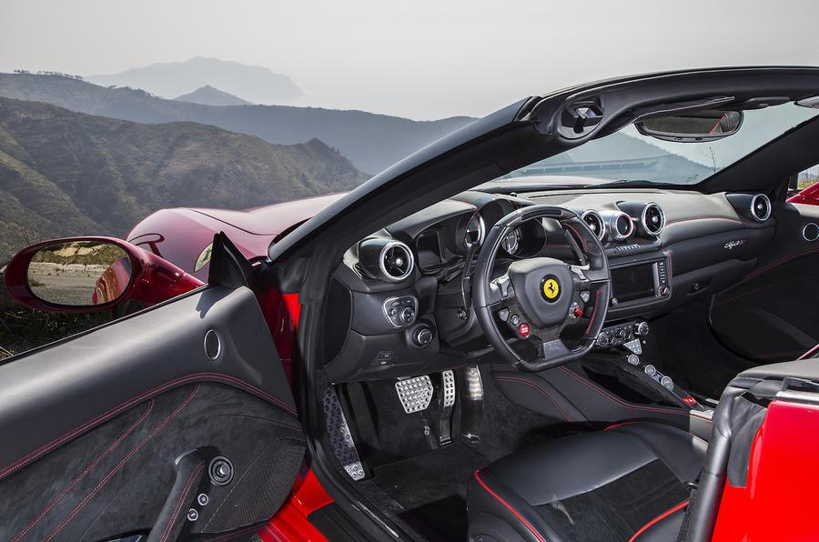 2016 ferrari california t handling speciale review autocar for Ferrari california t interieur