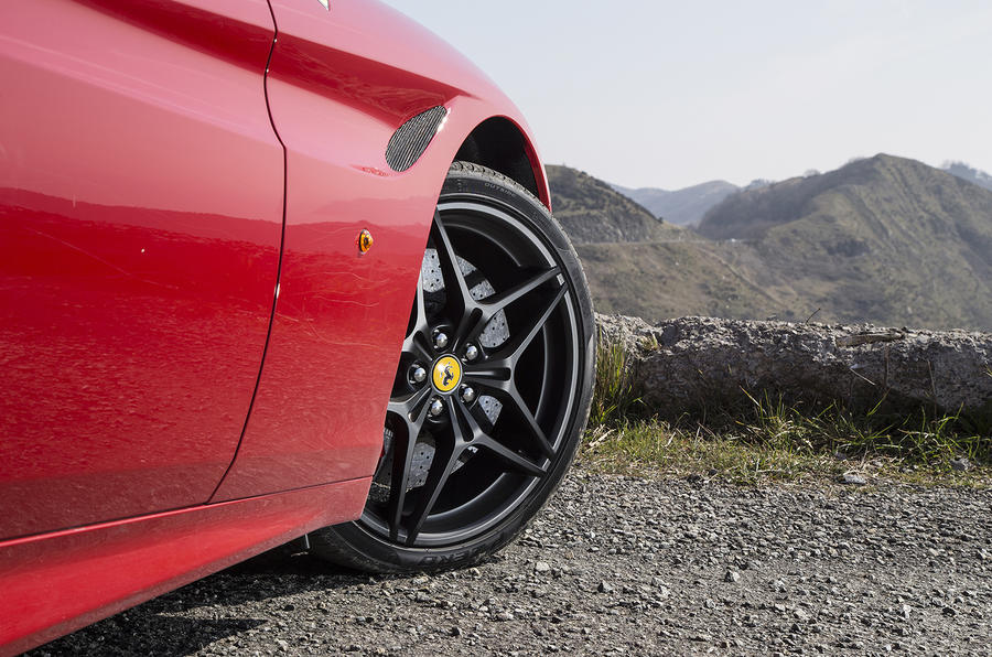 Ferrari California T front wheelarch