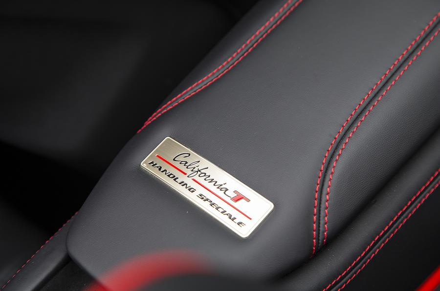 Ferrari California T Handling Speciale plaque