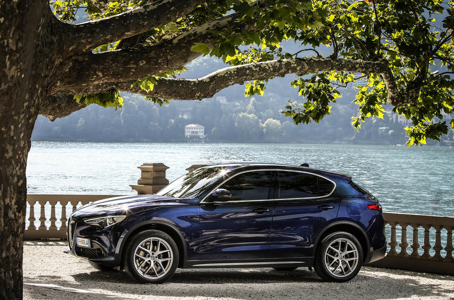 alfa romeo stelvio 2 0t super q4 2017 review review autocar. Black Bedroom Furniture Sets. Home Design Ideas