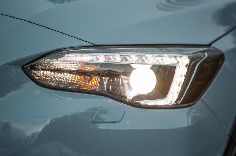 Subaru XV headlights