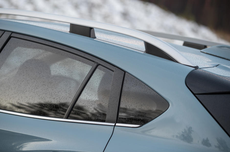 Subaru XV roof rails