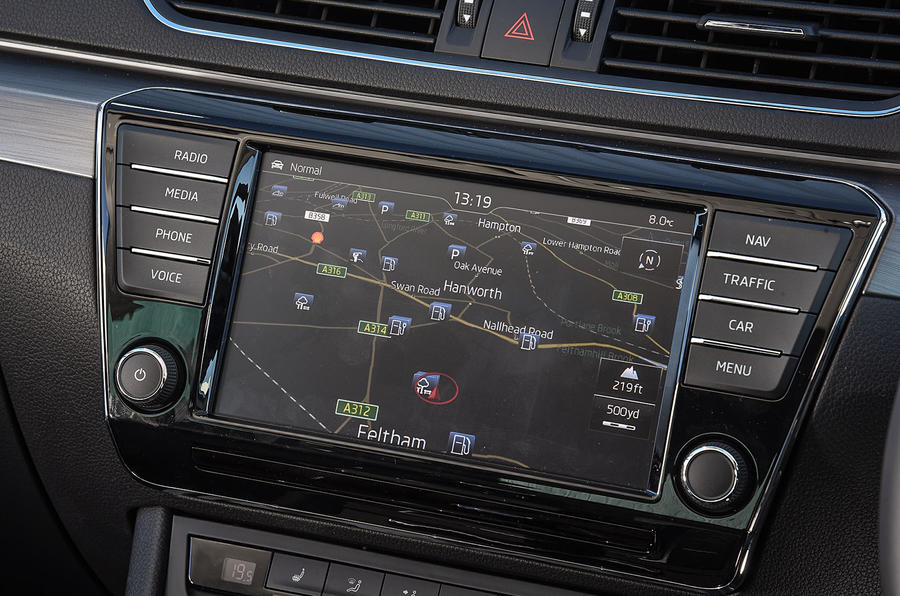 Skoda Superb infotainment system