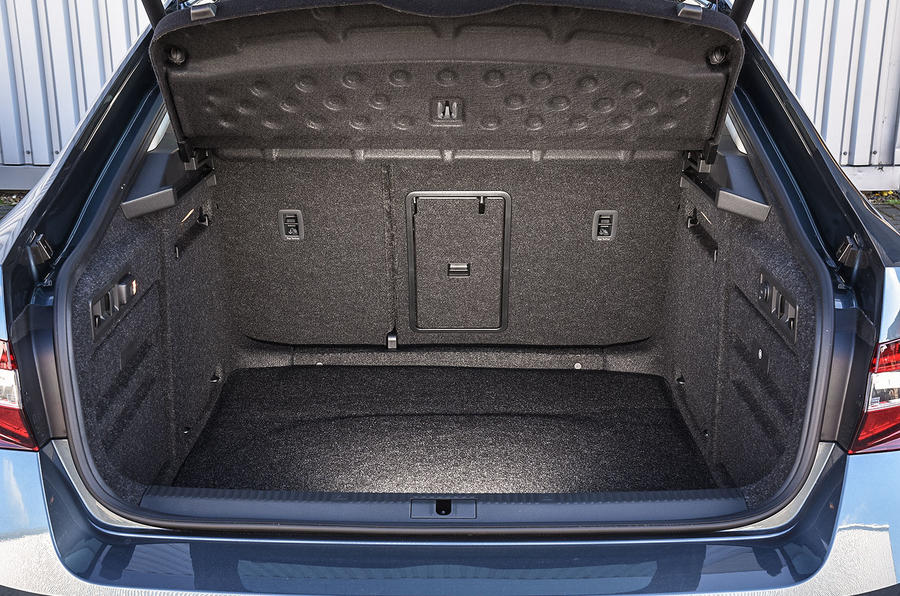 Skoda Superb 280 4x4 boot space