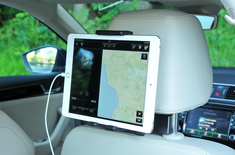 Skoda Superb tablet holder