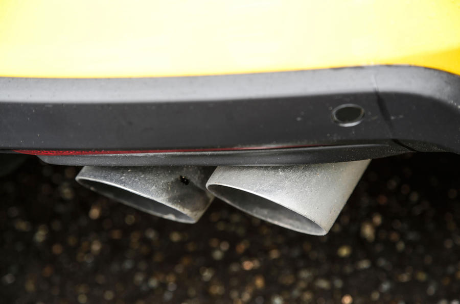 Ford Mustang quad-exhaust