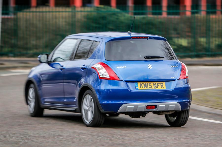 Suzuki Swift SZ4 4x4 rear cornering