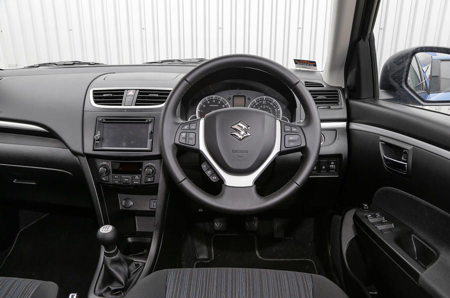 Suzuki Swift SZ4 dashboard