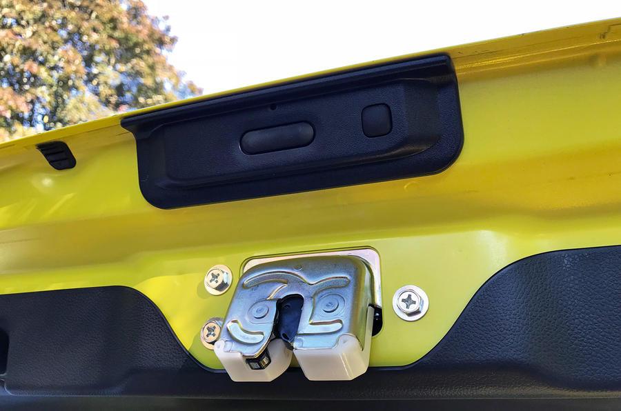 Suzuki Swift Sport 2018 long-term review boot buttons