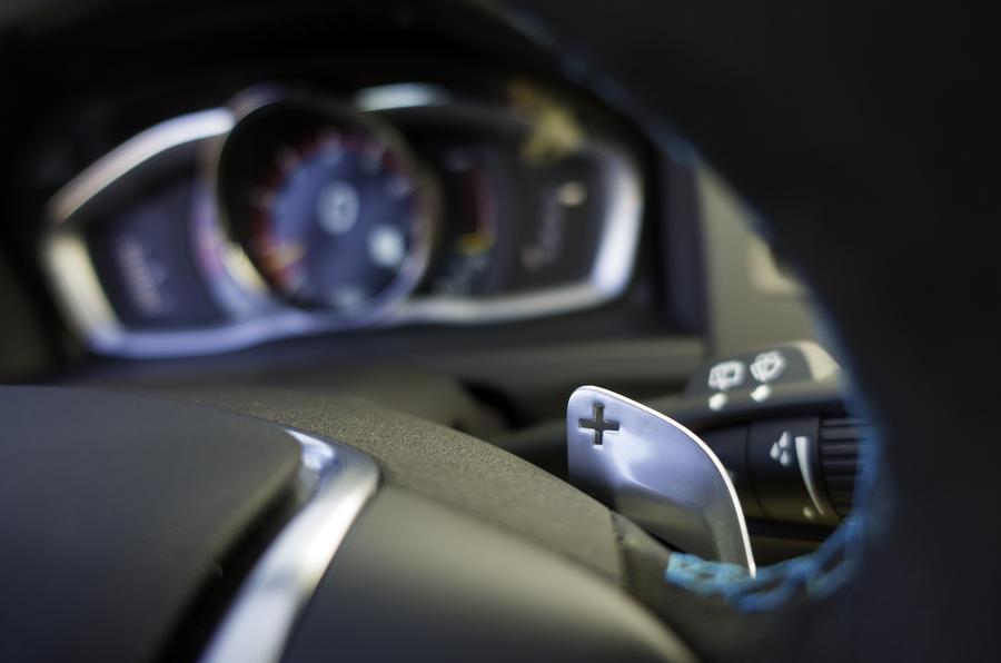 Volvo V60 Polestar paddle controls