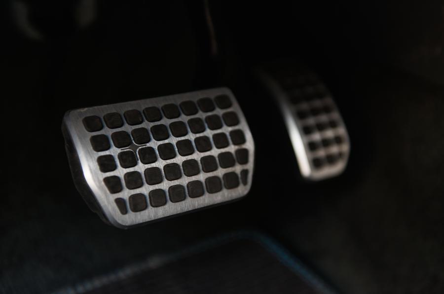 Volvo V60 Polestar sports pedals