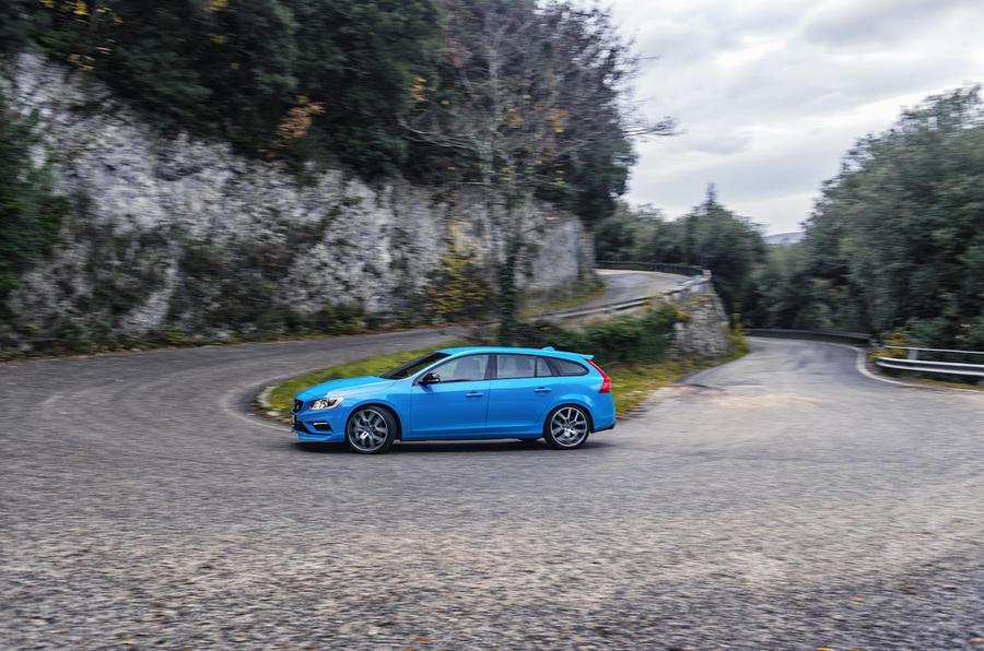 Volvo V60 Polestar cornering