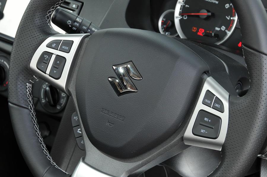 Suzuki Swift's steering wheel controls