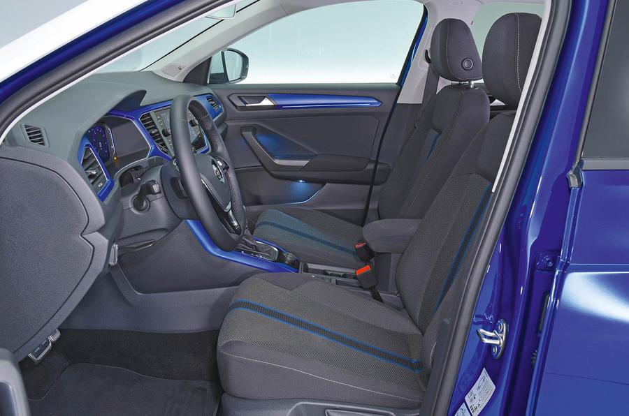 Volkswagen T-Roc 2.0 TSI interior