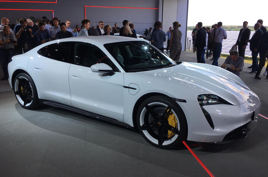 2020 Porsche Taycan reveal - static side