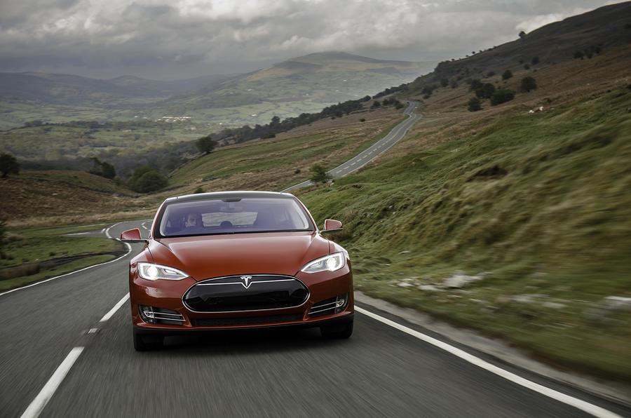 Tesla Model S 70D front end