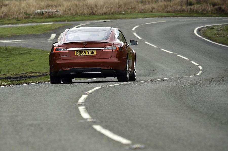 Tesla Model S 70D rear cornering