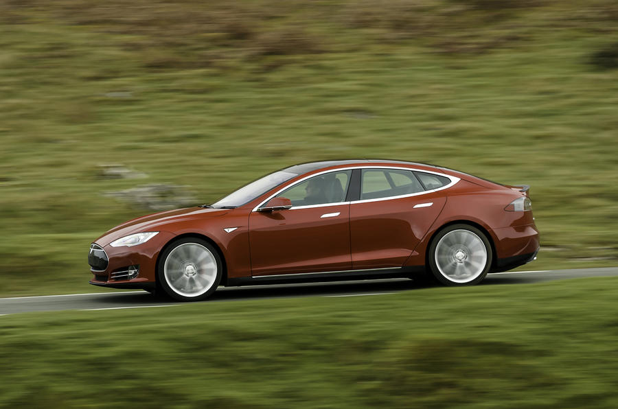 Tesla Model S 70D side profile