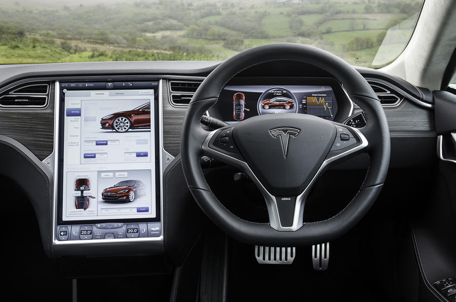 Tesla Model S 70D dashboard