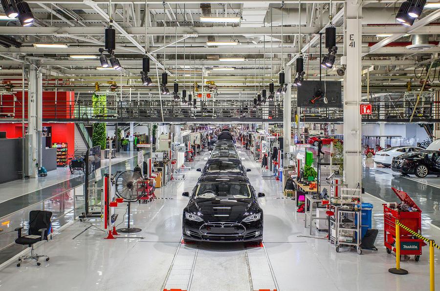 ����������: Tesla � ������