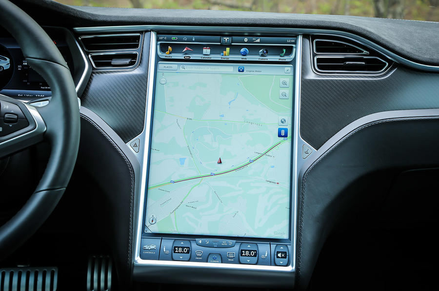 Tesla Model S P85D infotainment