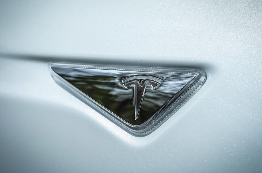 Tesla Model S indicators