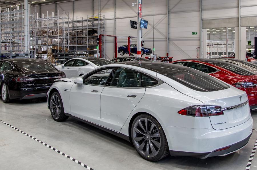 Tesla Model S production line - Tilburg
