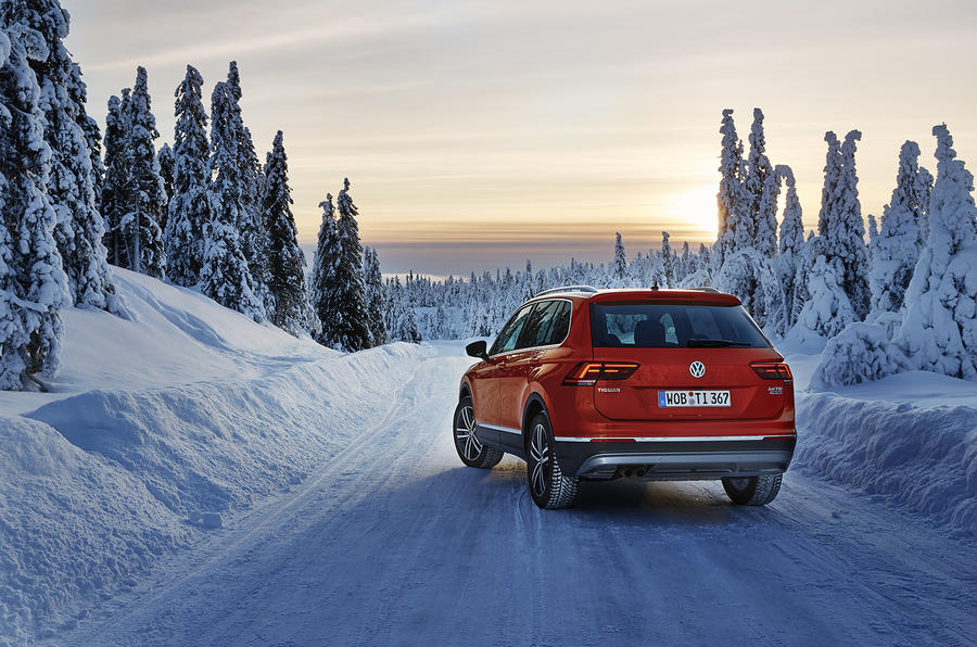 Volkswagen Tiguan on snow
