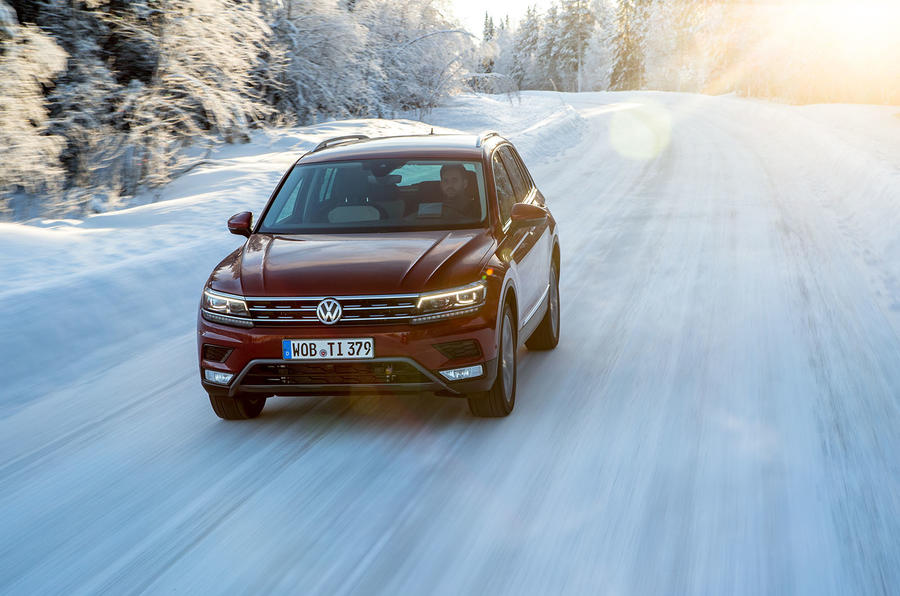Volkswagen Tiguan driving on snow