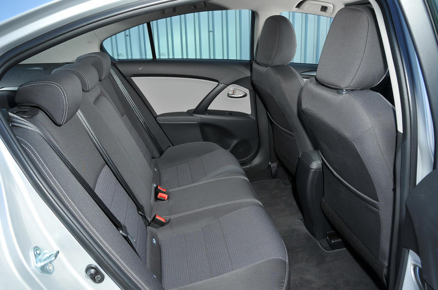 Toyota Avensis rear seats