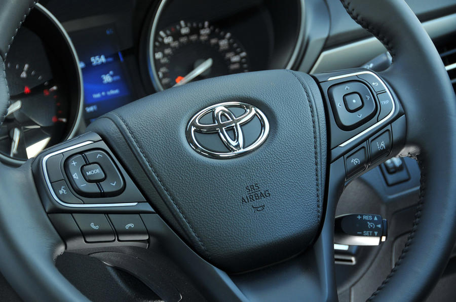 Toyota Avensis steering wheel