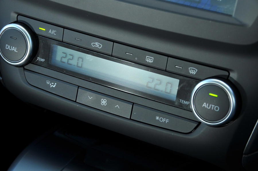 Toyota Avensis climate control