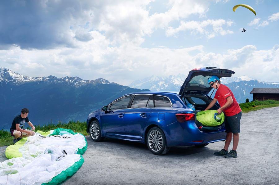 Toyota Avensis Touring Sports boot