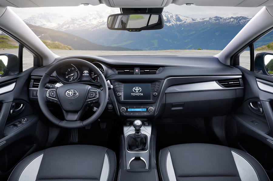 2015 Toyota Avensis Touring Sports Business Edition Plus 1 ...