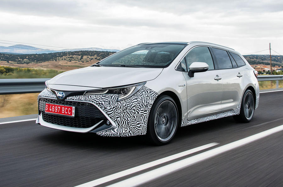 Toyota Corolla Touring Sports 2 0 Hybrid 2019 Review Autocar