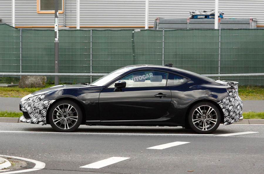 2017 toyota gt86 facelift spotted testing for the first time