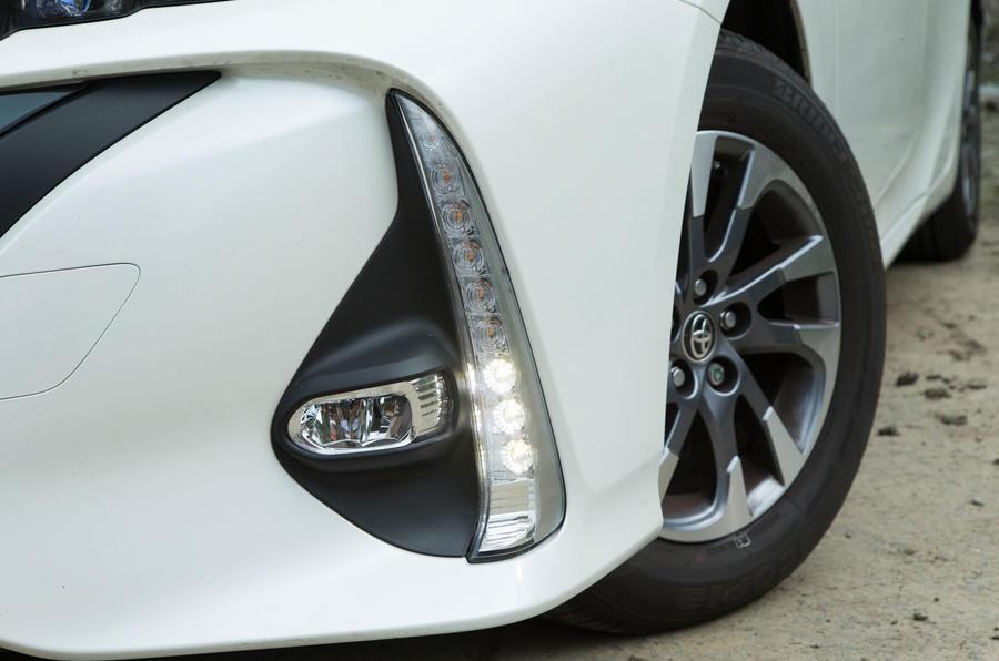 Toyota Prius PHEV LED day-running-lights
