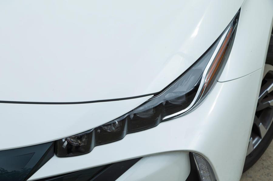 Toyota Prius PHEV LED headlights