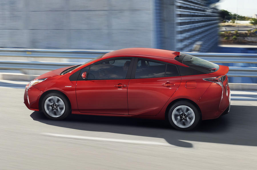 2016 Toyota Prius to cost from £23,295